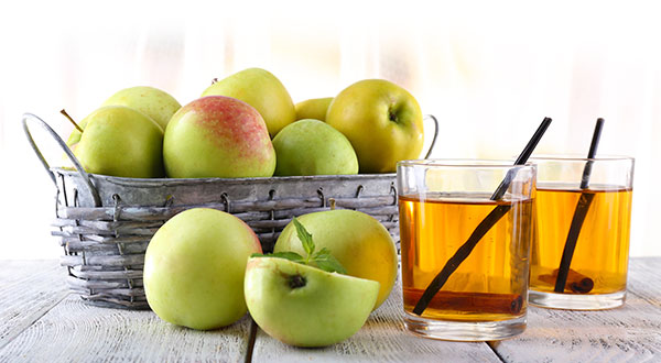 Vinegar and Green Apple Fruit